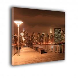 Rdzawe molo z lampami w nocy - obraz na ścianę nr 2263