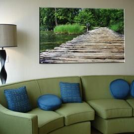 Pomost z desek nad wodą - obraz na płótnie nr 2528